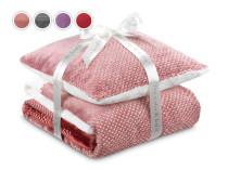 Набор подушка и одеяло Теплые объятия 2020