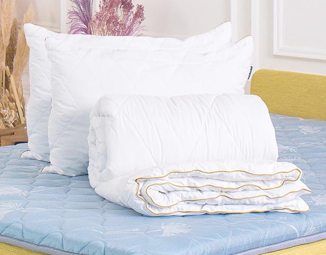 Злата одеяло и подушка